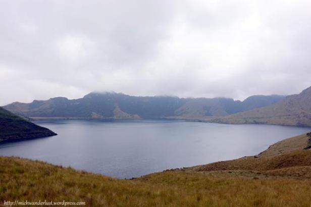 Lagunas de Mojanda - big lake (la grande)