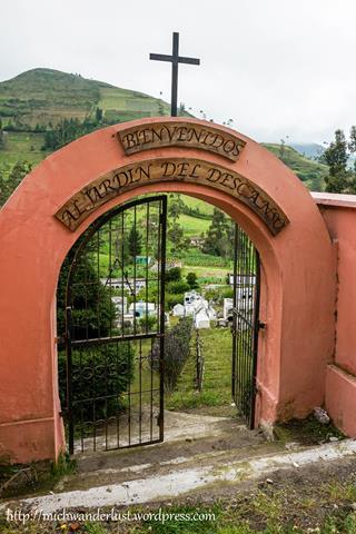 Isinlivi   Quilotoa Loop   Ecuador   hiking in Ecuador